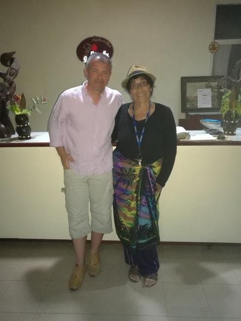 D-na Papiloa cu un român