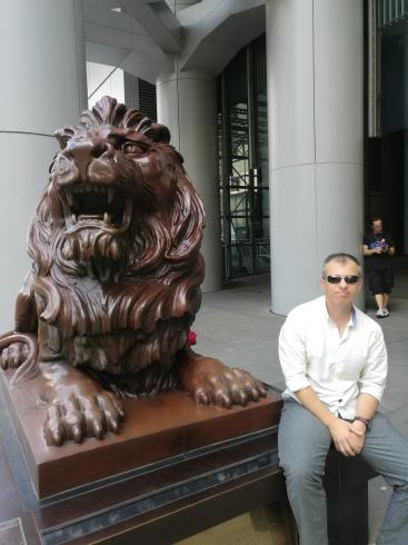Un leu...și cinșpe bani