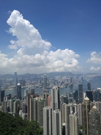 Hong Kong-ul, înalt pe dinafară...